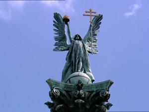 949801315-大天使ガブリエル-英雄広場-国民記念碑-崇拝-対象